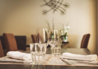 A table à l'Hôtel Le Mas Du Colombier en provence
